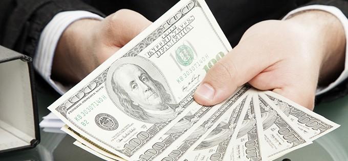 How to Choose Between Big Banks & Non-Bank Money Lenders